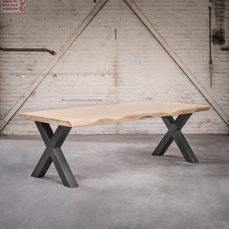 Industriele rechthoekige eettafel 180x105x6 blank eiken met zwarte X poten – Woodpecker | QAZQA | 8718881081347
