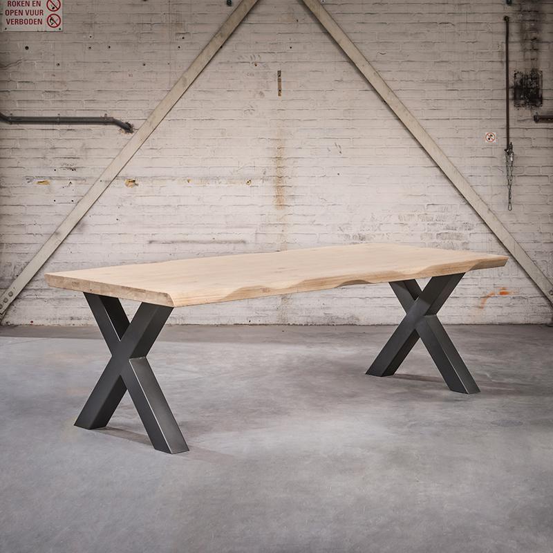 Industriele rechthoekige eettafel 250x105x6 blank eiken met zwarte X poten – Woodpecker | QAZQA | 8718881081323