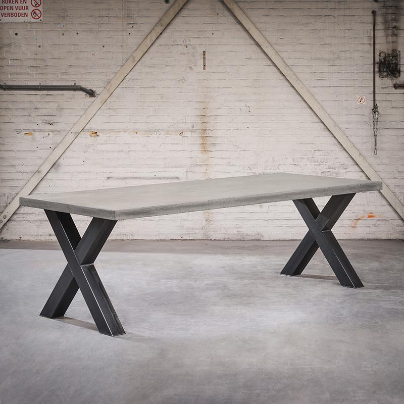 Industriele rechthoekige eettafel 240x100x6 betonlook met staalkleurige X poten – Empire   QAZQA   8718881081095